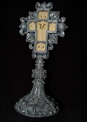 Галерия  - сребърен кръст